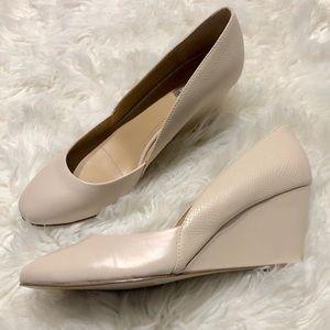 Tahari NWOB Nude Cream Faux Leather Wedge Heels